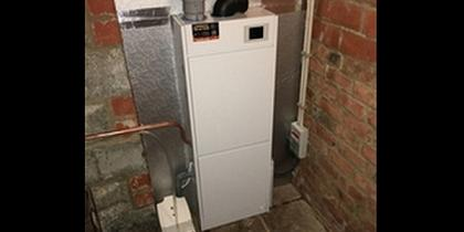 Udara luchtverwarming Udara 15 in kelder afgewerkt met xal-pir isolatieplaten